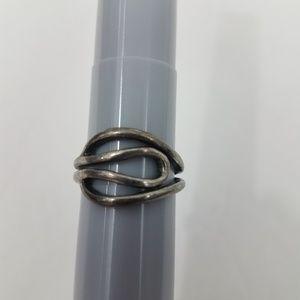 LS Lia Sophia Ring Size 7 Silver Tone Swirl Wire W